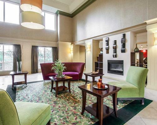 Clarion Hotel Portland International Airport - Portland - Lobby