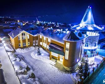 Hotel Mayak - Yakty Kul' - Building