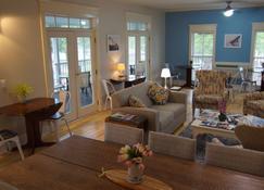 Harbor House Inn - Grand Haven - Reception