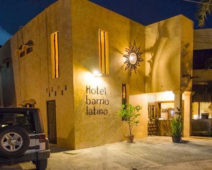 Barrio Latino Hotel - Playa del Carmen - Building