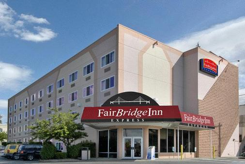 Fairbridge Inn Express - Spokane - Toà nhà