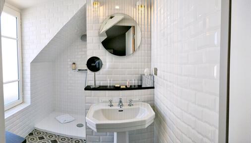 Best Western Plus Hotel Litteraire Marcel Ayme - Παρίσι - Μπάνιο