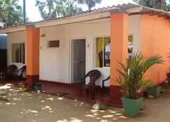 Golden Beach Cottages - Trincomalee - Building