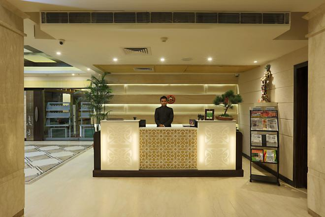 Mayflower Hotel - Guwahati - Front desk