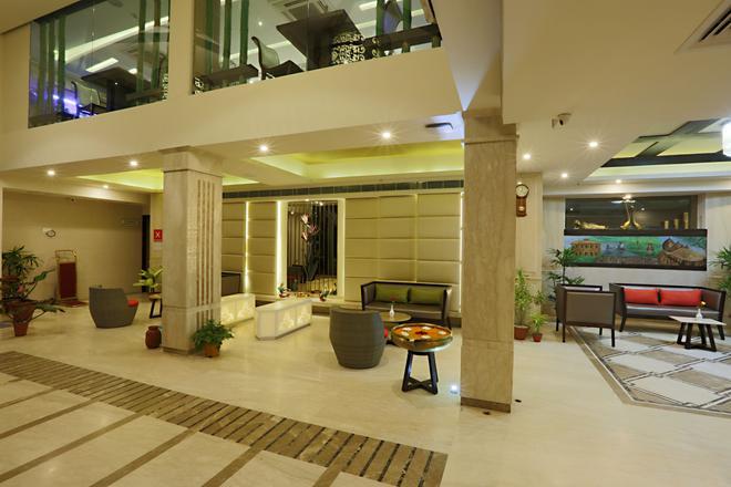 Mayflower Hotel - Guwahati - Lobby
