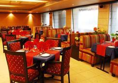 Vishwaratna Hotel - Guwahati - Nhà hàng