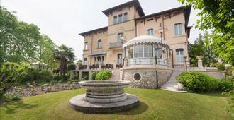 Hotel Villa Maria - Дезенцано-дель-Гарда - Здание