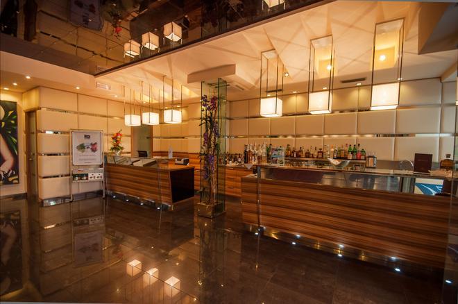 安蒂科博爾戈酒店 - 里瓦德加爾達 - 加爾達湖濱 - 櫃檯