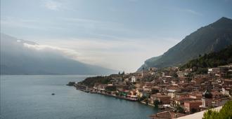 Hotel Royal Village - Limone sul Garda - Näkymät ulkona