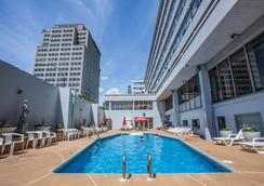Hotel Espresso Montreal Downtown - Montréal - Bể bơi