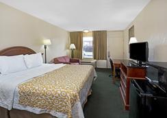 Days Inn by Wyndham St. Augustine West - St. Augustine - Phòng ngủ