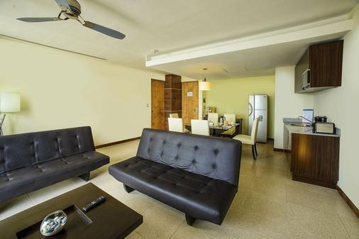 B2B Malecon Plaza Hotel & Convention Center - Cancún - Living room