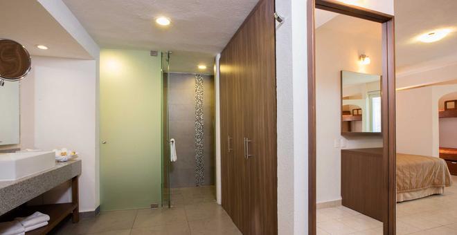 Crown Paradise Club Puerto Vallarta - Puerto Vallarta - Bathroom