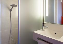 B&b Hotel Orly Chevilly Marché International - Chevilly-Larue - Bathroom