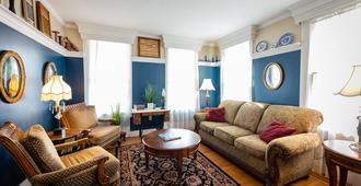 Gibson's Lodgings of Annapolis - Annapolis - Living room