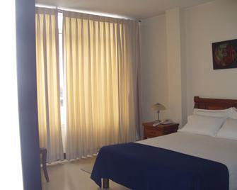 Hotel Gran Via - Armenia - Bedroom