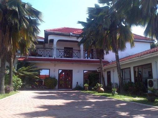 La Paradise Inn - Άκκρα - Κτίριο