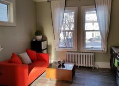 Hansen Inn - 溫尼伯 - 客廳