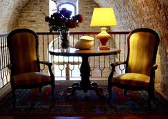 杜卡勒酒店 - 古比歐 - 古比奧 - 休閒室
