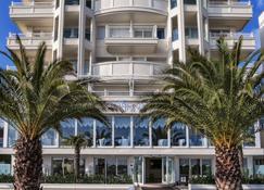 Tiffany's - Riccione - Building