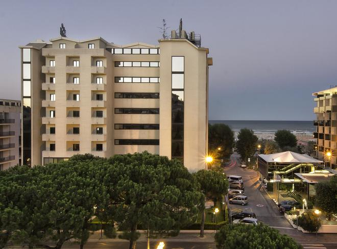 Hotel Sporting - Ρίμινι - Κτίριο