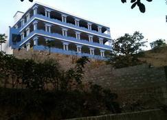 Hotel Djabraba's EcoLodge - Nova Sintra - Rakennus