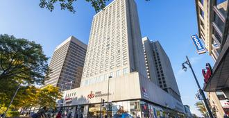 Hotel Place Dupuis Montreal Downtown Ascend Hotel Collection - Montreal - Edificio