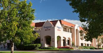 Fairfield Inn by Marriott Albuquerque University Area - Alburquerque - Edificio
