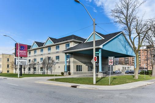 Comfort Suites Downtown - Windsor - Building