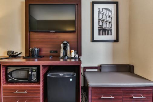 Comfort Suites Downtown - Windsor - Room amenity