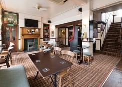 Halcyon Quest Hotel - Prestatyn - Bar