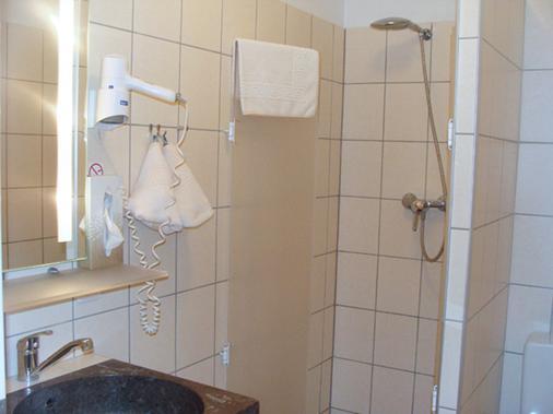 Aparthotel Aviv - Berliini - Kylpyhuone