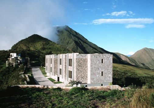 Hotel El Crater - Quito - Building