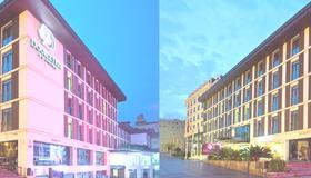 DoubleTree by Hilton Hotel Istanbul - Old Town - Istanbul - Building