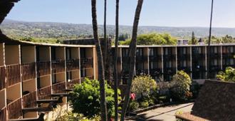 Uncle Billy's Kona Bay Hotel - קאילואה קונה