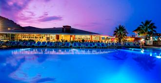 Sailor's Beach Club - Kemer - Piscina