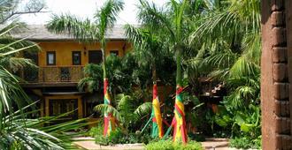 Marley Resort & Spa - נאסאו