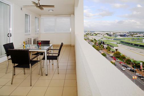Cairns Central Plaza Apartment Hotel - Cairns - Balcony