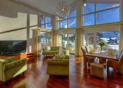 Königshof Hotel Resort - Oberstaufen - Living room