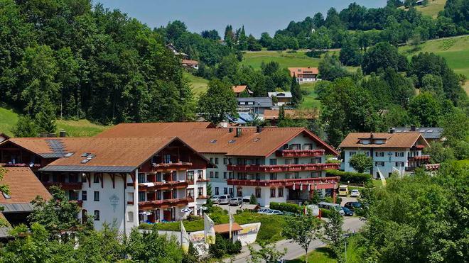 Königshof Hotel Resort - Oberstaufen - Building