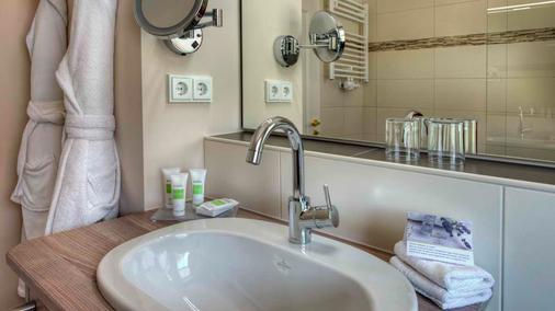 Königshof Hotel Resort - Oberstaufen - Bathroom
