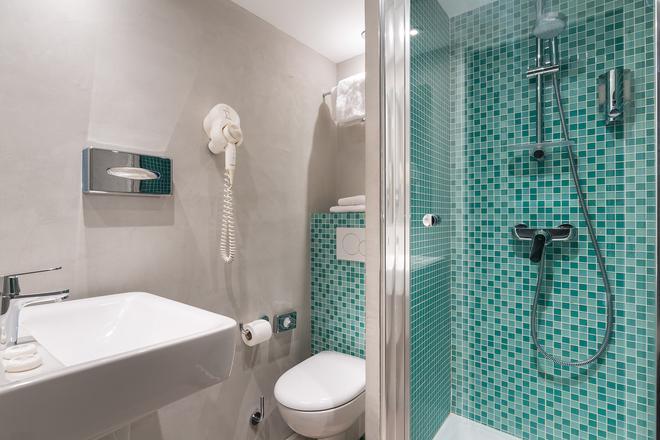Hotel Ohm by HappyCulture - Paris - Bathroom
