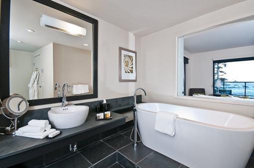 Black Rock Oceanfront Resort - Ucluelet - Phòng tắm