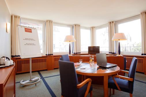 Steigenberger Hotel Sonne - Rostock - Ruokailuhuone