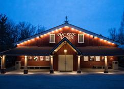 Cascades Mountain Resort Ascend Hotel Collection - Hendersonville - Rakennus