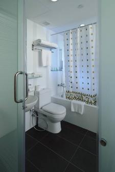 Ji Hotel Orchard - Singapore - Bathroom