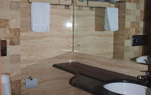 丹安斯住宅酒店 - 新德里 - 新德里 - 浴室
