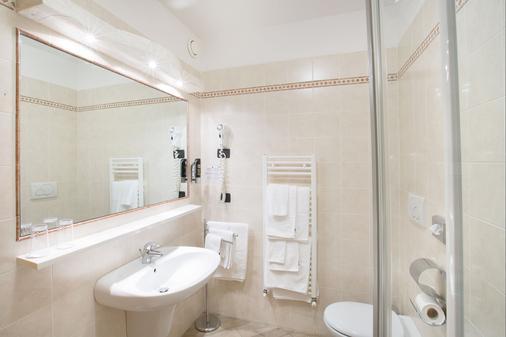 Hotel Ristorante Alla Nave - Lavis - Bathroom