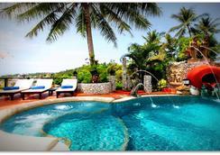 布姆蘭鄉村渡假酒店 - 卡隆 - 卡倫海灘 - 游泳池