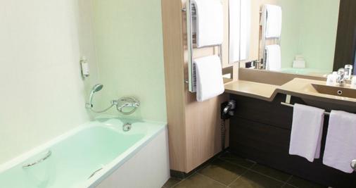大洋洲巴黎凡爾賽門酒店 - 巴黎 - 巴黎 - 浴室